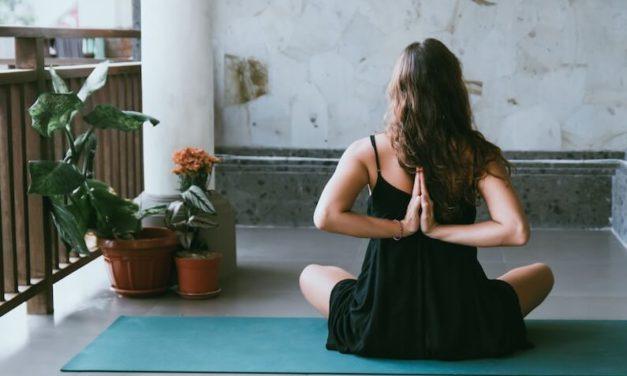 Cómo hacer yoga en casa